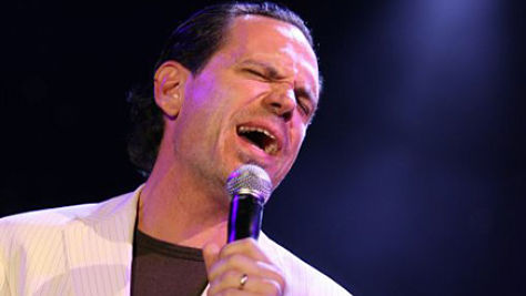 Kurt Elling Croons the Classics