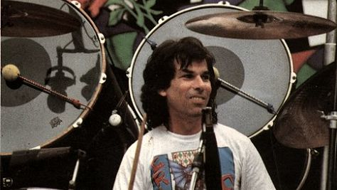 Folk & Bluegrass: Video: Mickey Hart's Planet Drum