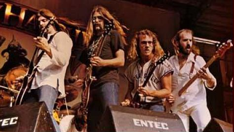 Rock: NEW: Molly Hatchet's Three-Guitar Army