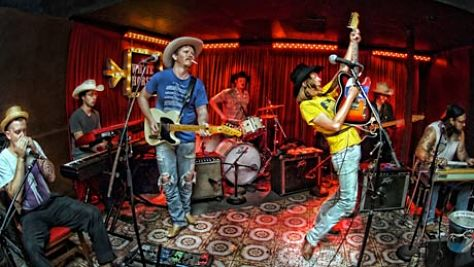Video: Mike and the Moonpies, 2011