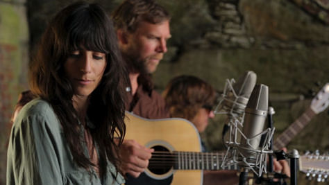 Folk & Bluegrass: Nicki Bluhm & the Gramblers Unplugged