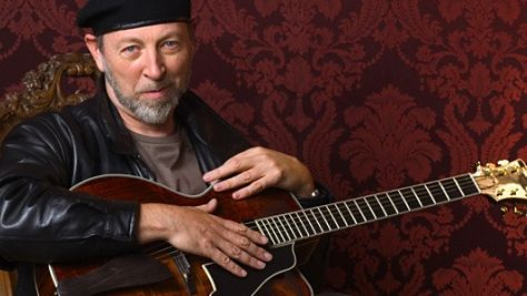 Folk & Bluegrass: Richard Thompson's Celtic Tinge
