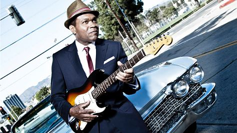 Robert Cray's Smoking Gun