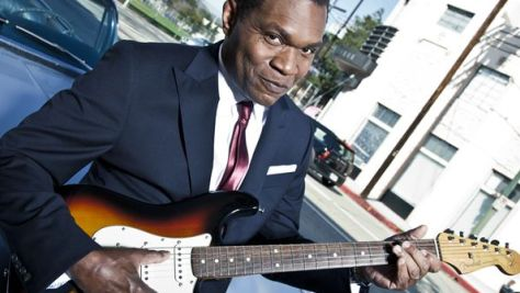 Robert Cray Smooths Out the Blues