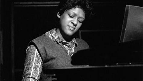 Jazz: Shirley Scott Swings Carnegie Hall