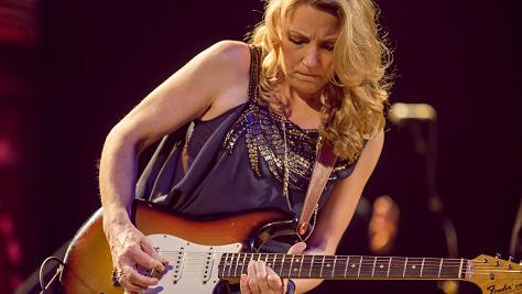 Blues: Video: Susan Tedeschi at Newport