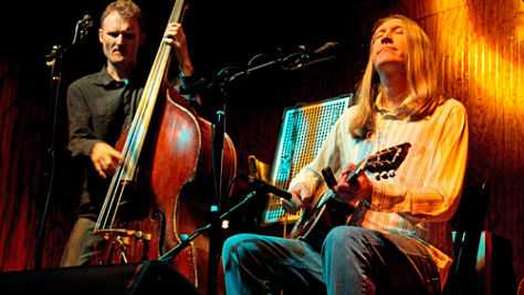 Indie: Video: The Wood Brothers' Paste Session