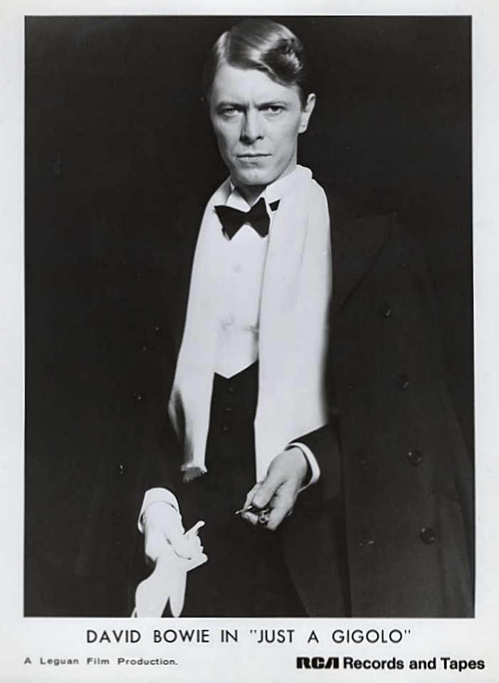http://images.wolfgangsvault.com/david-bowie-in-just-a-gigolo/promo-print/memorabilia/ZZZ020578-PP.jpg