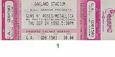 guns n 39 roses vintage ticket oakland coliseum stadium oakland ca sep 24 1992. Black Bedroom Furniture Sets. Home Design Ideas
