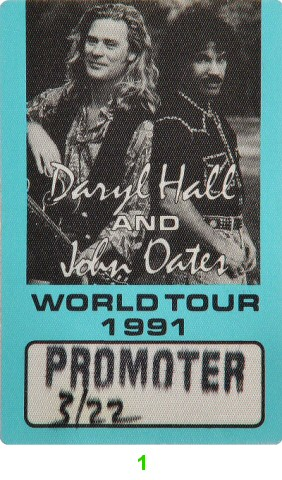 Hall &amp; OatesBackstage Pass