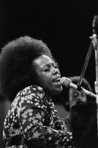 Roberta Flack Fine Art Print from Festival Field on 02 Jul 71: 16x20 Silver Gelatin
