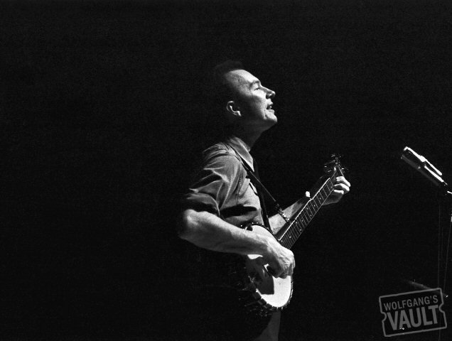 Pete Seeger Fine Art Print from Royce Hall : 16x20 SG Matted & Signed