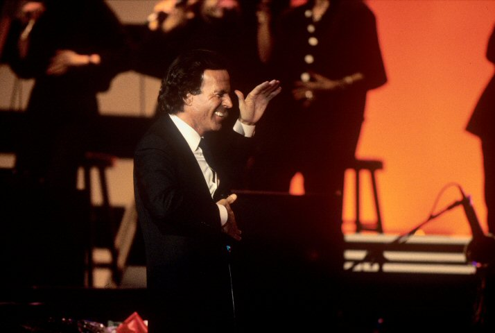 Julio Iglesias BG Archives Print from Shoreline Amphitheatre on 29 Jun 86: 16x20 C-Print