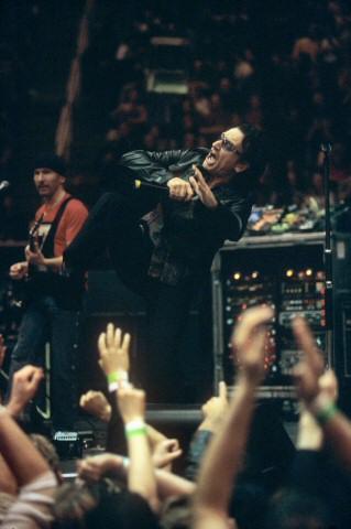 Bono BG Archives Print from San Jose Arena on 20 Apr 01: 16x20 C-Print