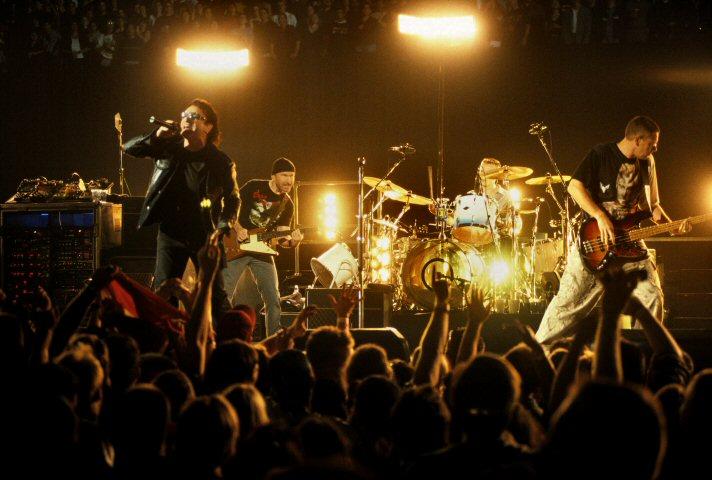 Bono BG Archives Print from San Jose Arena on 20 Apr 01: 11x14 C-Print