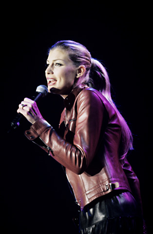 Faith Hill BG Archives Print from San Jose Arena on 28 Apr 99: 16x20 C-Print