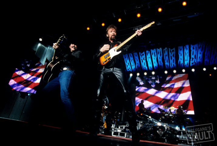 Brooks & Dunn BG Archives Print from Sacramento Valley Amphitheatre on 06 May 01: 11x14 C-Print