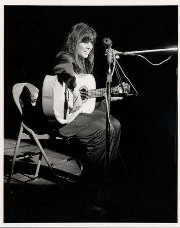 Melanie Premium Vintage Print from Woodstock on 15 Aug 69: 8x10 RC Print