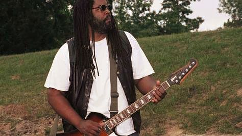 Blues: Alvin Youngblood Hart Down in the Alley
