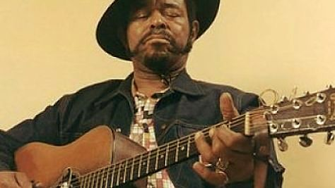 Blues: Brownie McGhee Flies Solo