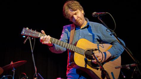 Folk & Bluegrass: Video: Doug Paisley at the Living Room