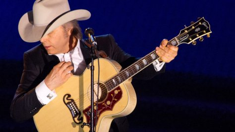 Country: Dwight Yoakam to Play the 'Tonight Show'