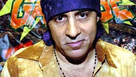 Rock: Little Steven Van Zandt Flies Solo