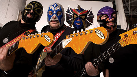 Rock: Los Straitjackets' Supersonic Guitars