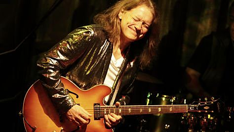 Blues: Robben Ford & The Blue Line in Japan
