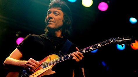 Rock: Steve Hackett's Six-String Sizzle
