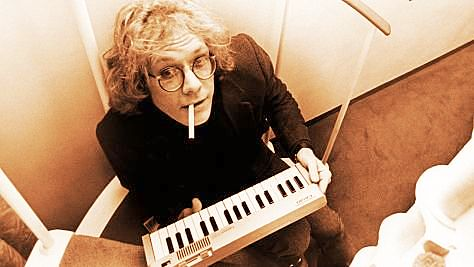 Rock: Warren Zevon Strikes Up the Band