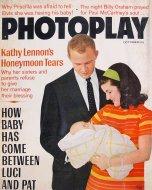Photoplay Vol. 72 No. 4 Magazine