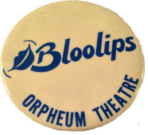 Bloo Lips Pin