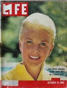 LIFE Magazine October 10, 1960 Magazine