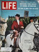 LIFE Magazine May 6, 1966 Magazine