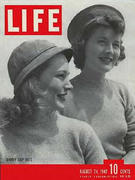 LIFE Magazine August 24, 1942 Magazine