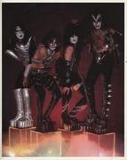 Kiss Vintage Print