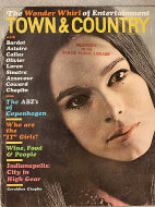 Town & Country Vol. 120 No. 4521 Magazine